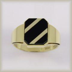 Prsten s onyxem 225 085